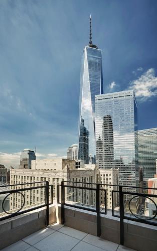 27 Barclay St, New York, NY 10007, United States.