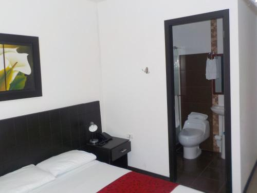 Hotel Jardín Cafetero Armenia salas fotos