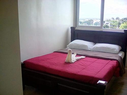 . Ella's Condo at Stanford Suites South Forbes