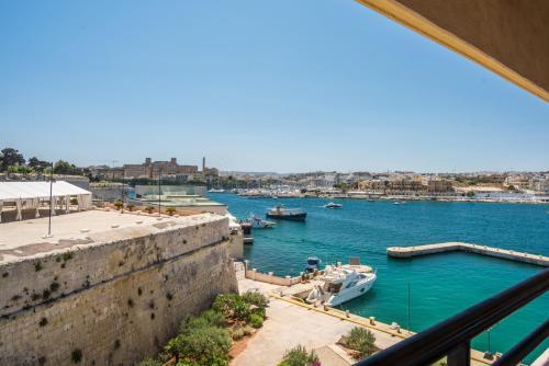 Great Siege Road, Valletta, FRN 1810, Malta.