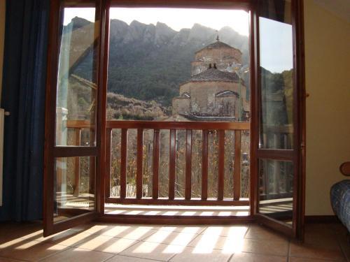 apartamentos turisticos san juan de la peña - Apartment - Santa Cruz de la Serós