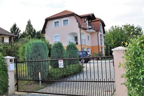 . Katalin Apartmanház
