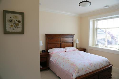 Alibaba's House room photos
