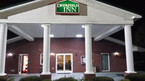 . Deer Field Inn