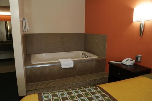 Theroff's Motel - Washington, IN 47501
