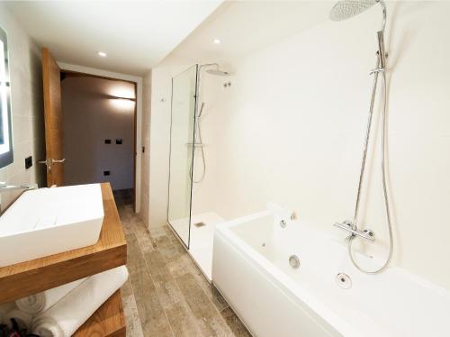 Suite Hotel Molí de l'Escala 5