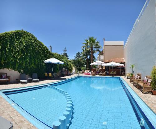 Akatos Hotel