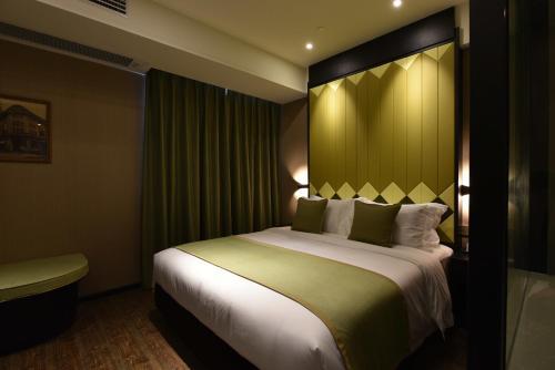SHANGHAI DECO Hotel Номер Делюкс с кроватью размера «king-size»