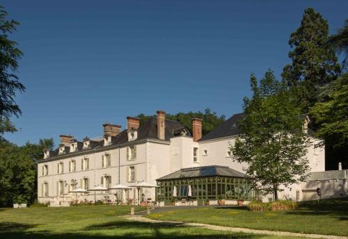 . Chateau de la Rozelle