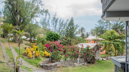 Spring Garden Resort Bequia Booking Deals Photos Reviews