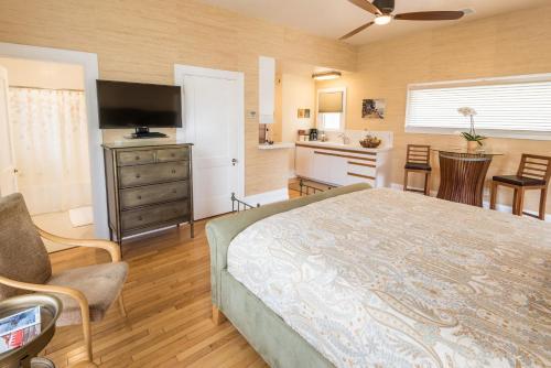 Harbor House Inn - Santa Barbara, CA CA 93101