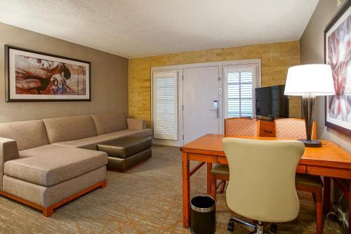 Embassy Suites Hotel San Antonio-Northwest/I-10
