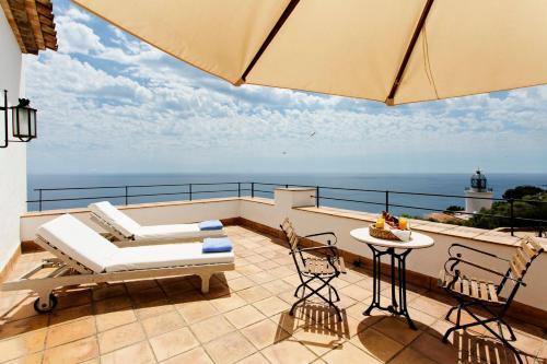 Habitación Doble con terraza y vistas al mar  El Far Hotel Restaurant 7