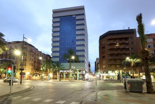 Avenida Alfonso X El Sabio 11, Alicante 03002, Spain.