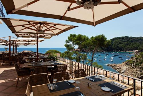 Playa de Fornells s/n, 17255 Begur, Province of Girona, Spain.