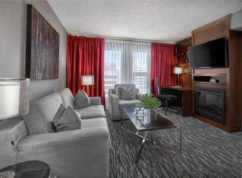 Matrix Hotel - Edmonton, AB T5J 3N8