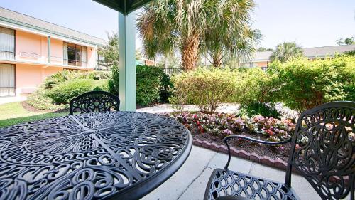 Best Western Charleston Inn - Charleston, SC SC 29407