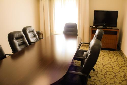 Hilton Garden Inn Redding - Redding, CA 96002