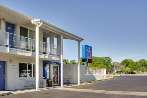 Motel 6 Denver - Lakewood - Lakewood, CO 80226