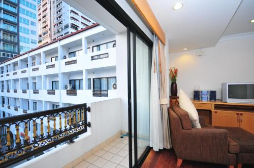 Admiral Suites Bangkok by Compass Hospitality photo 50