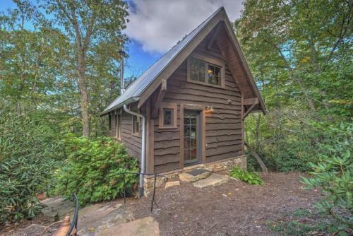 Blue Jay's Perch Cabin - Black Mountain
