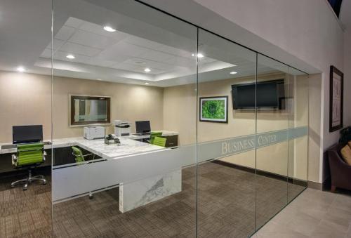 Embassy Suites West Palm Beach - West Palm Beach, FL 33406