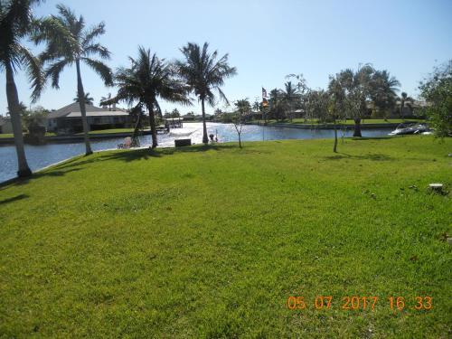 Jamaica - Cape Coral, FL 33914
