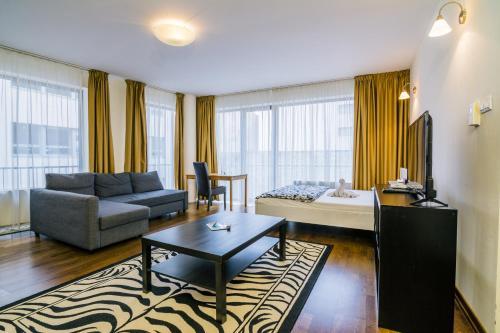 Luxury Downtown Apartments photo 43