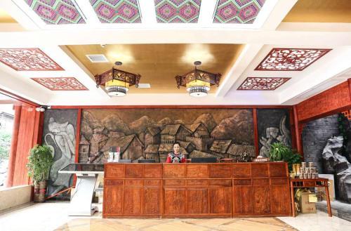 . Fenghuang Yingzhi Boutique Inn