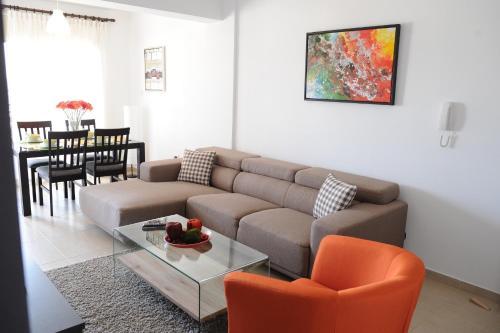 Kiti Deluxe Apartments - Photo 3 of 15