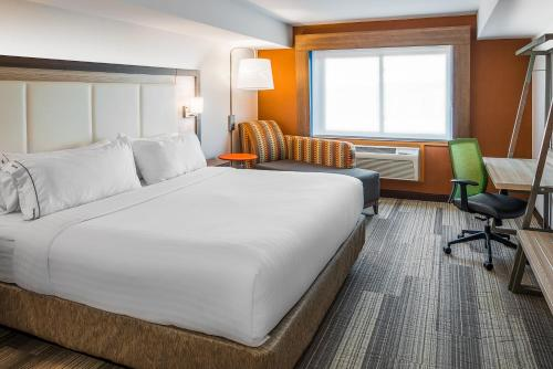 Holiday Inn Express & Suites S Lake Buena Vista - Kissimmee, FL 34746