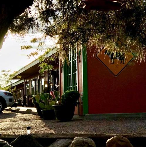 . Rio Grande Motel