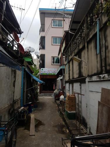 S.E.T Thanmongkol Residence photo 2