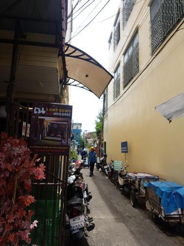 S.E.T Thanmongkol Residence photo 3