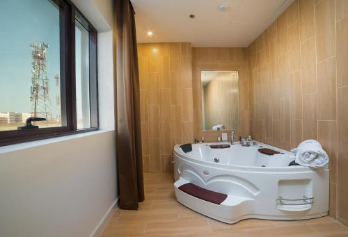 Double Room with Jacuzzi Bathroom
