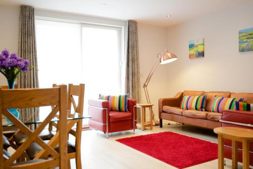 Signet Apartments - Vesta - Photo 3 of 16