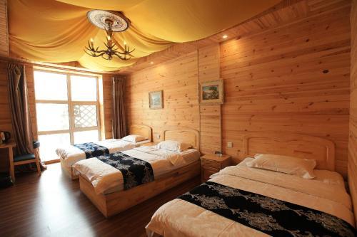 . Manzhouli Volga River International Youth Hostel