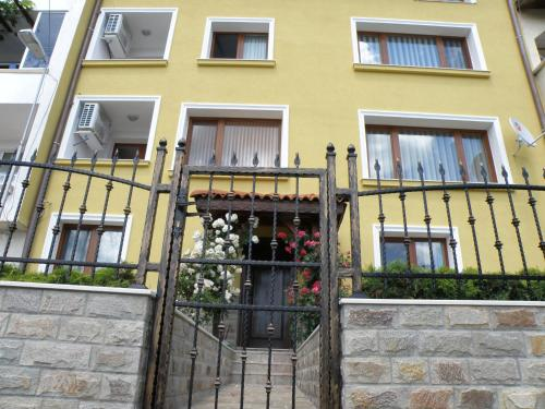 . Apartments Kaloyan