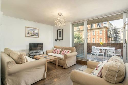Three Bedroom Apt in Central London (B&B)
