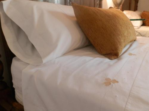 Habitación Doble con cama supletoria  Hotel Boutique Nueve Leyendas 44
