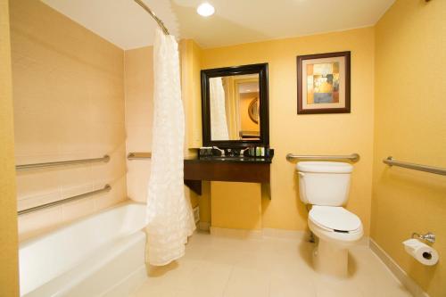 Embassy Suites Hotel Tulsa-I-44 - Tulsa, OK 74145
