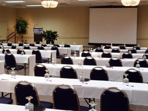 Embassy Suites By Hilton Denver Tech Center North - Denver, CO 80231