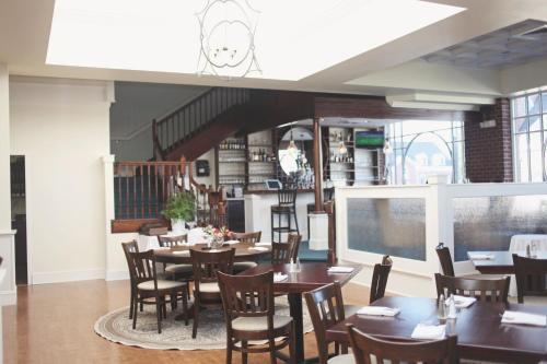 Sheridan Livery Inn, Lexington