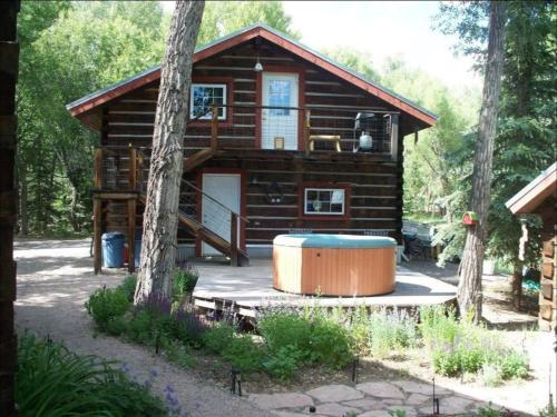 Riverside Meadows Cabins - South Fork, CO 81154