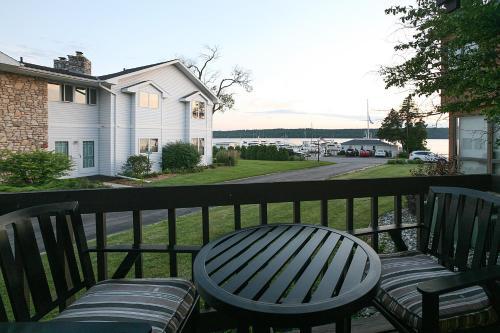 . Pine Grove Resort