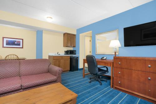 Days Inn By Wyndham Alexandria Mn - Alexandria, MN 56308