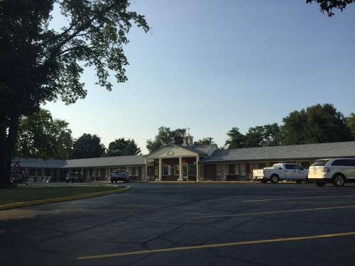 Old Kentucky Home Motel - Bardstown, KY 40004