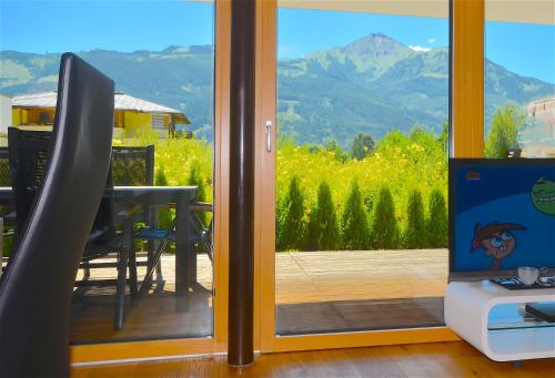 Sonnenhaus A by Alpen Apartments Zell am See