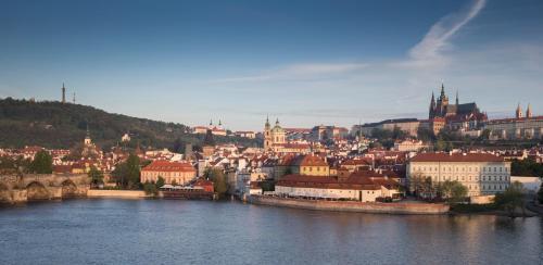 Veleslavinova 2a/1098  Prague, 110 00, Czech Republic.