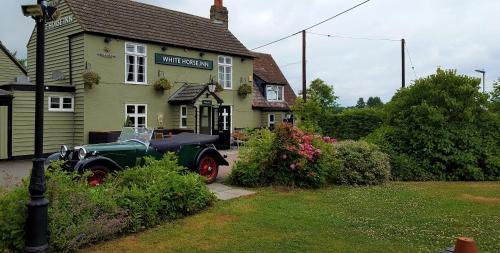 The White Horse Inn - Photo 8 of 10